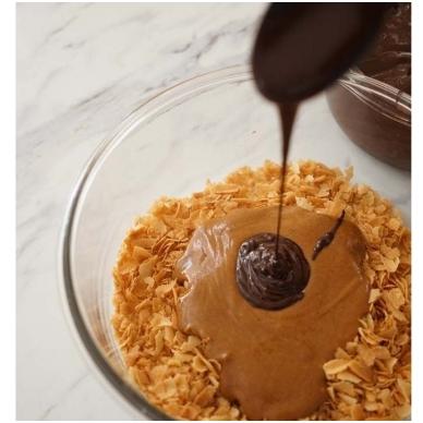 """migdolo - lazdyno riešutų praline 50% (1 kg) + biskvitinis traškutis """"Royaltine"""" (500 gr) 3"""